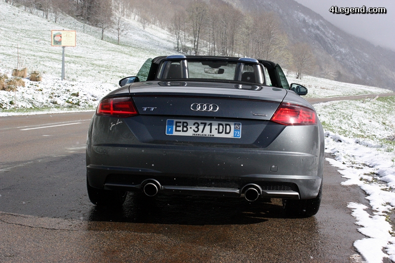 essai audi tt roadster 230 chevaux quattro. Black Bedroom Furniture Sets. Home Design Ideas