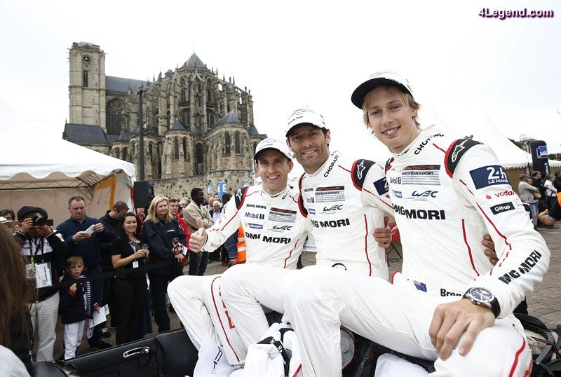 Porsche Team: Timo Bernhard, Mark Webber, Brendon Hartley (l-r)