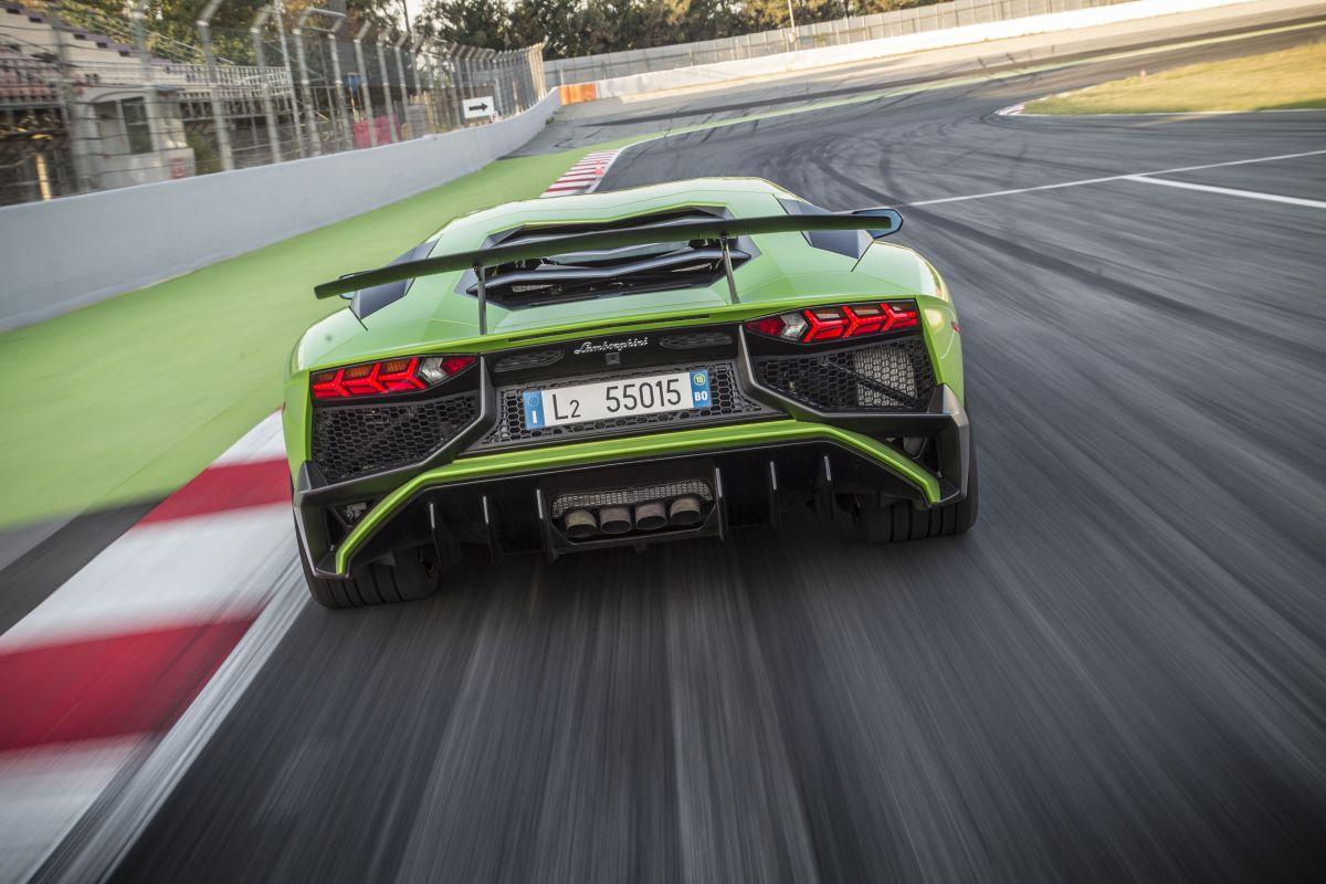 Le Moteur V12 Lamborghini A Encore De Beaux Jours Devant