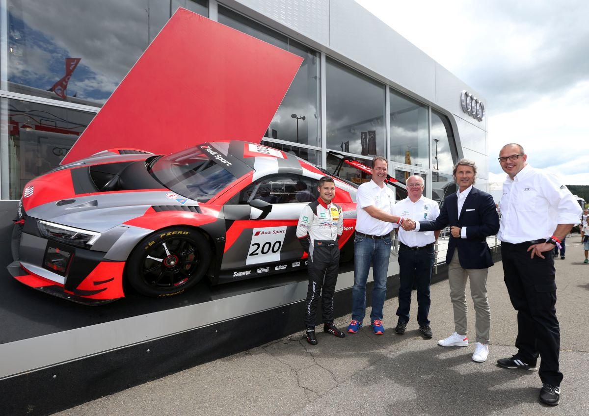 Livraison de la 200e Audi R8 LMS aux 24 Heures de Spa à l'équipe