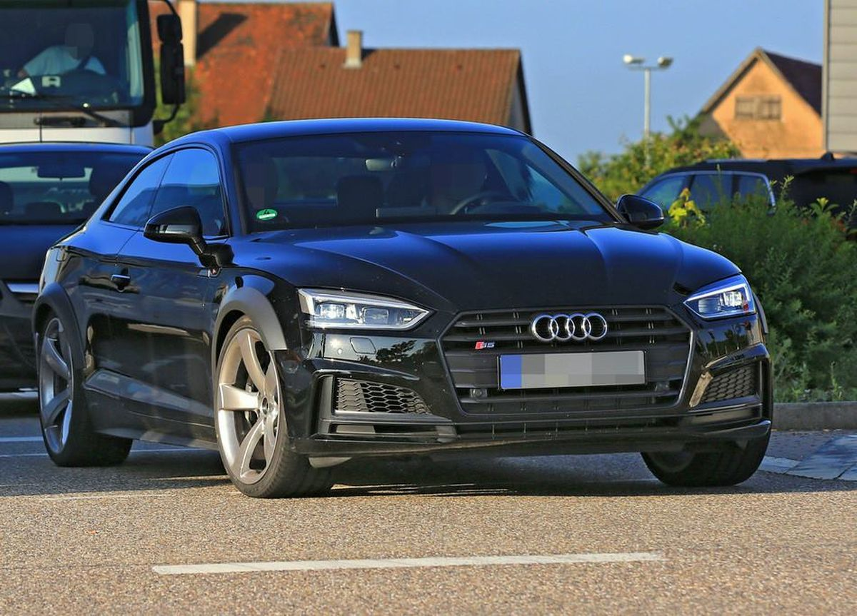 Spyshots nouvelle Audi RS 5 Coupé - Nouveau moteur 2.9 l V6 biturbo