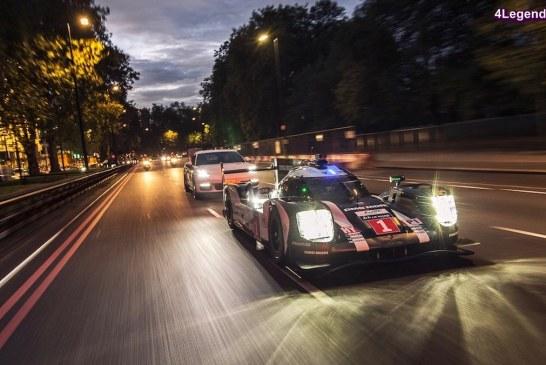 Mark Webber a piloté la Porsche 919 Hybrid dans les rues de Londres aux côtés de la Panamera 4 E-hybrid