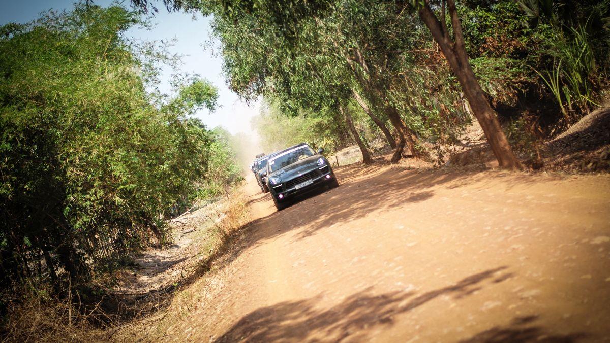 Porsche Adventure Drive 2016 - Un superbe Road trip au Cambodge