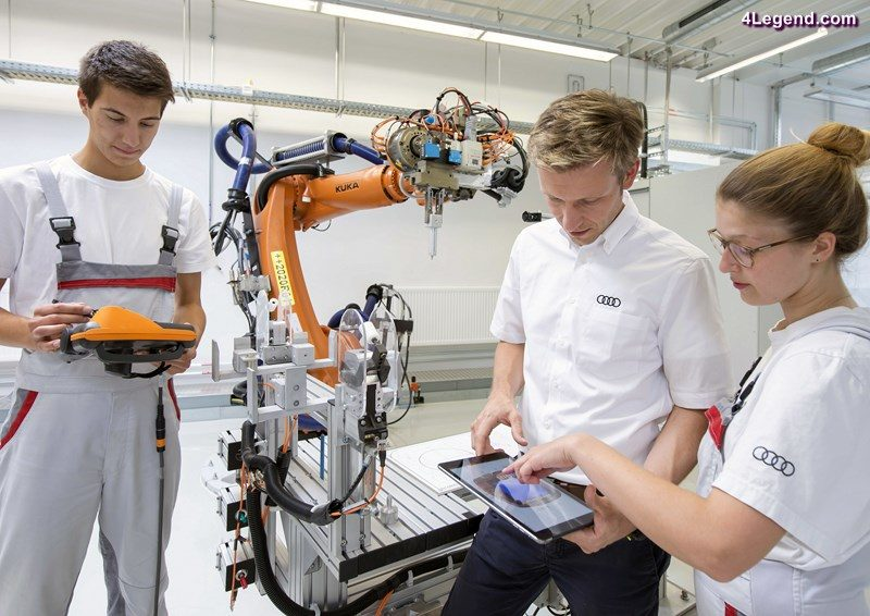 Dual training at Audi 2016: The company is strengthening its position in areas of the future, especially in the technical fields: For example, the number of mechatronic apprentices has increased compared with the previous year by about 20 percent to 162.