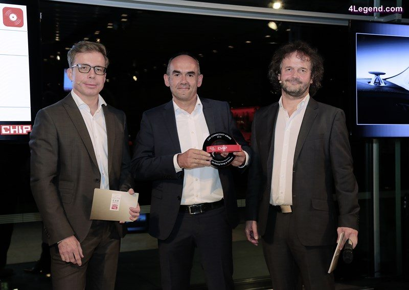 """Alfons Pfaller, Head of Development of Infotainment of AUDI AG, at the award ceremony """"Car Connectivity Award 2016""""."""