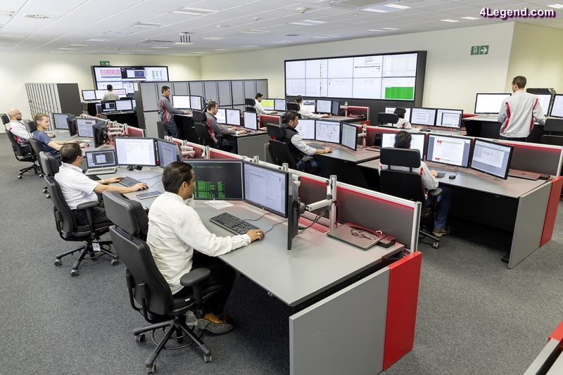 The Audi production control room in San José Chiapa is the first that combines five control consoles.
