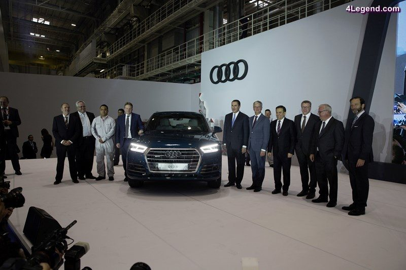 Audi Mexiko: The Audi Q5 on stage during the inauguration event in the Audi plant in San José Chiapa. © AUDI AG