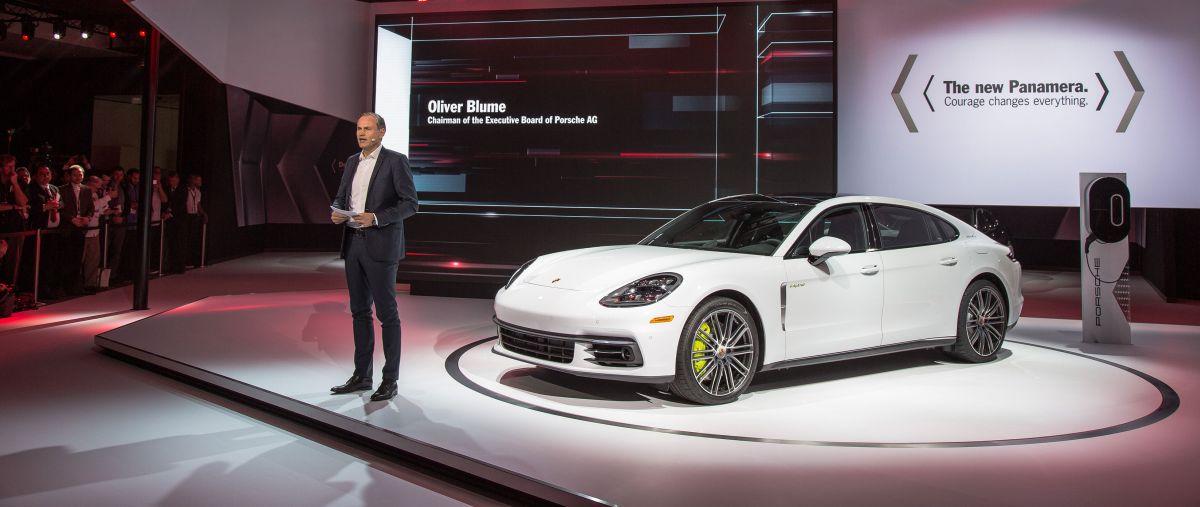 Los Angeles 2016 - Deux premières mondiales : Porsche Panamera Executive & Porsche 911 RSR