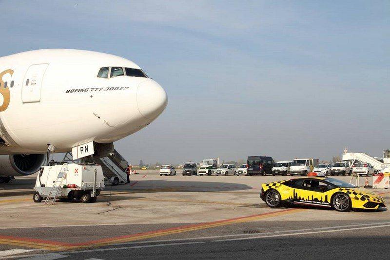 lamborghini-huracan-follow-me-car-aeroport-bologne-002