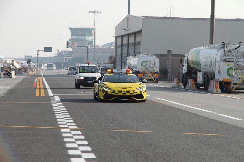 lamborghini-huracan-follow-me-car-aeroport-bologne-021