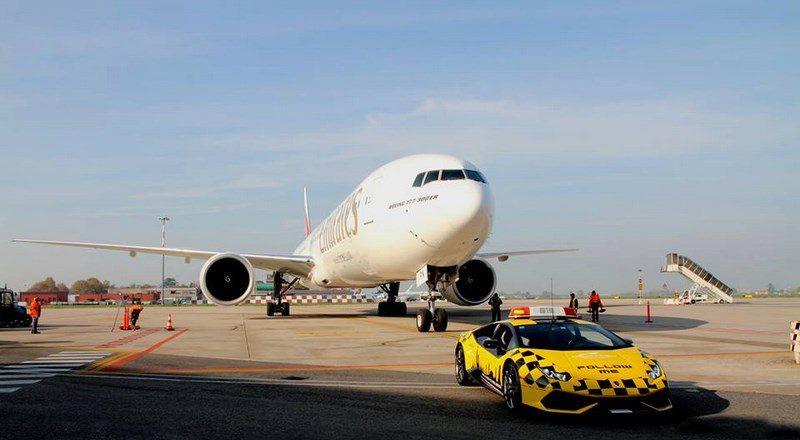 lamborghini-huracan-follow-me-car-aeroport-bologne-023