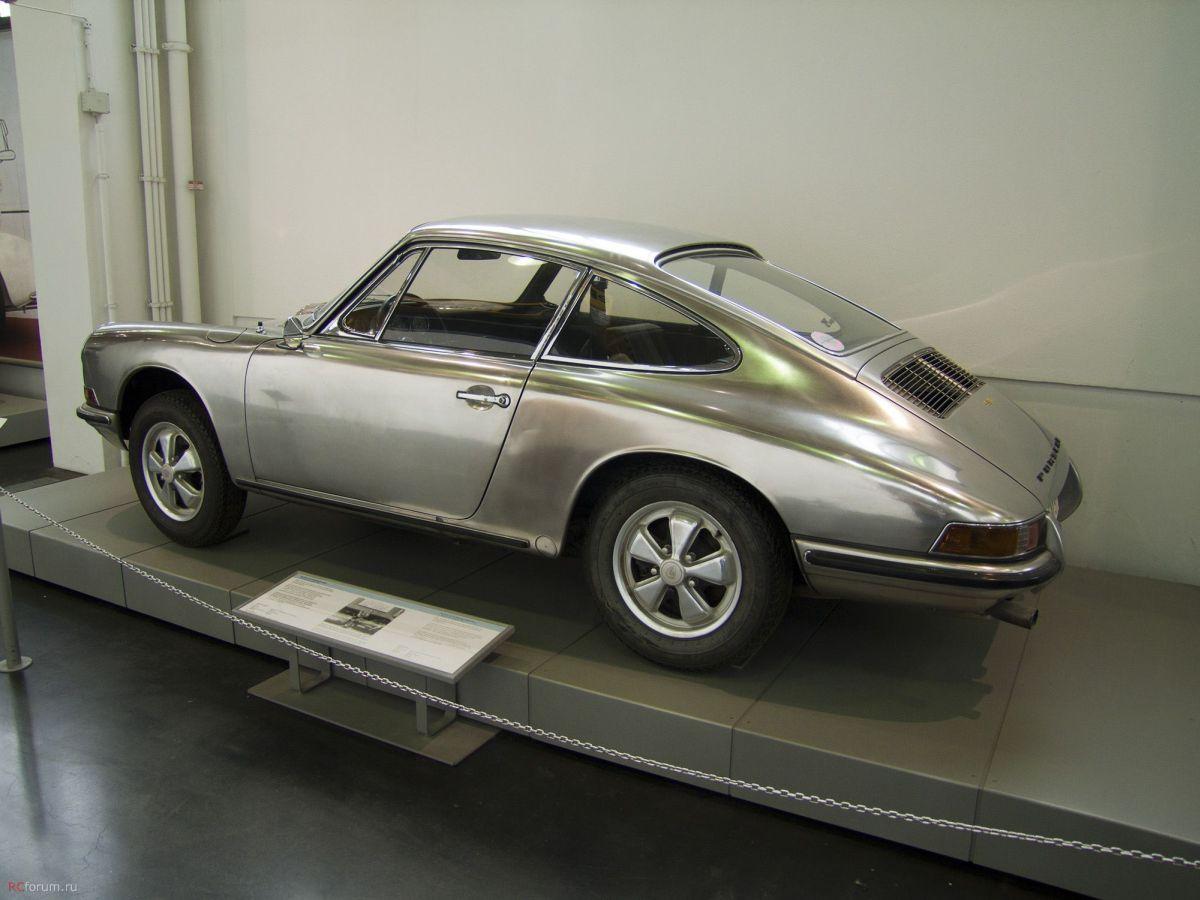 Porsche 911 S Edelstahlwagen en acier inoxydable de 1967 - Testées entre 1967 et 1974 sur plus de 150 000 km