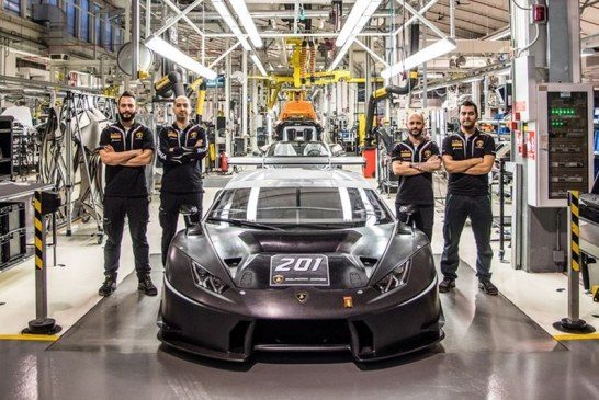 Lamborghini Squadra Corse établit un nouveau record avec plus de deux cents voitures de course produites en seulement 24 mois