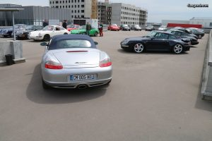 Grande vente aux ench res porsche dans le garage mannes for Garage speedy paris