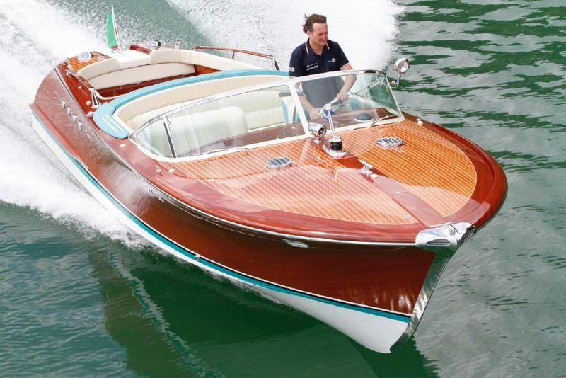 bateau a moteur en 6 lettres