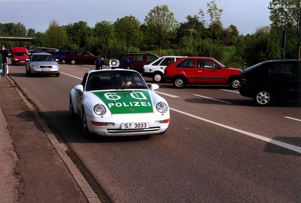 Porsche 911 Carrera Coupé Polizei Type 993 de 1996 - La millionième Porsche produite
