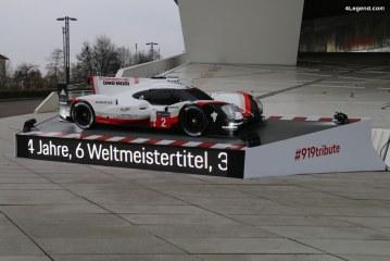 Porsche 919 Tribute devant le Porsche Museum à Stuttgart