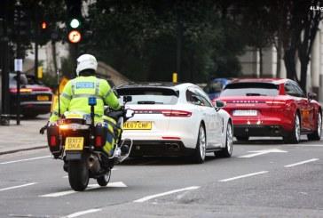 Transport de 10 000 000 Livres Sterling en lingots d'or avec des Porsche Panamera Sport Turismo dans les rues de Londres