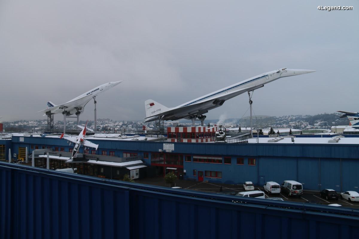 Visite de l'Auto & Technik Museum Sinsheim - Les avions et les hélicoptères à l'extérieur