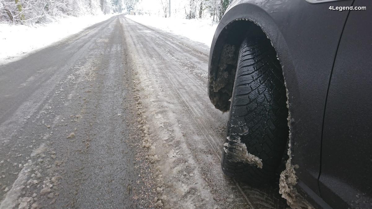Blocage des routes en IDF sous la neige - La faute à de très nombreux automobilistes imprudents - Conseils et solutions