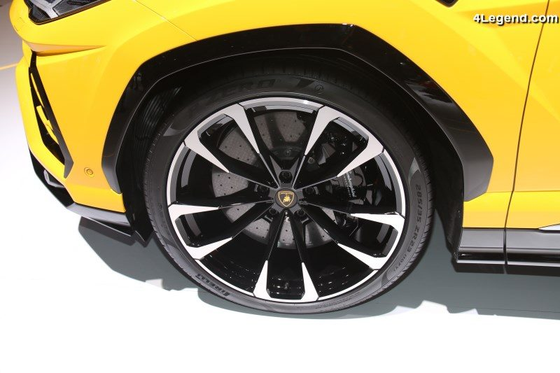 pirelli quipe exclusivement le lamborghini urus avec 6 pneus t et hiver gen ve 2018. Black Bedroom Furniture Sets. Home Design Ideas