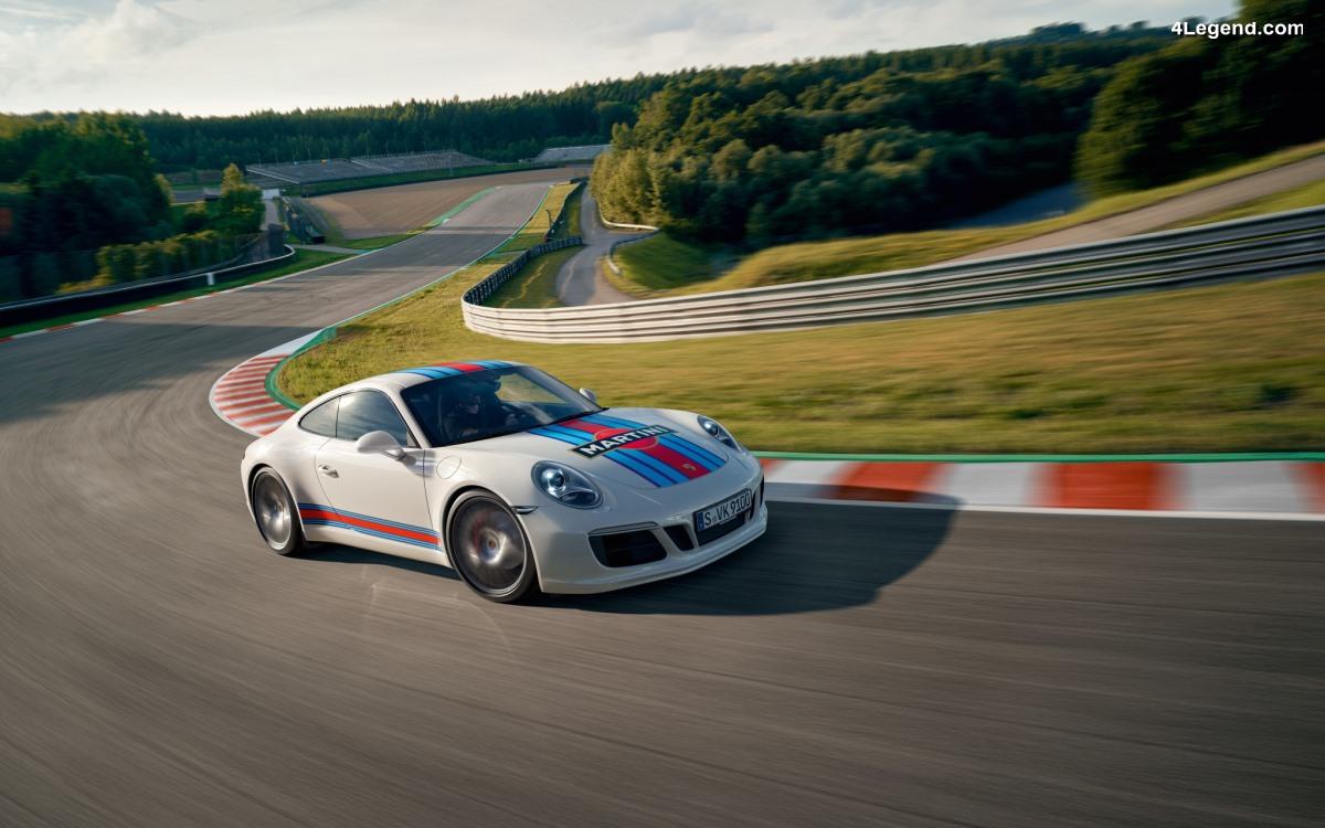 Porsche propose en accessoire la décoration Martini Racing Design pour Porsche 911