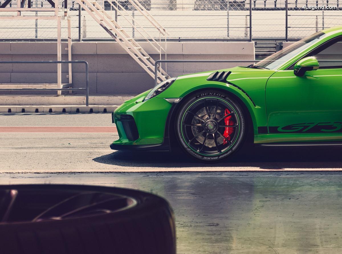 Homologation du pneu UHP Dunlop Sport Maxx Race 2 pour la nouvelle Porsche 911 GT3 RS
