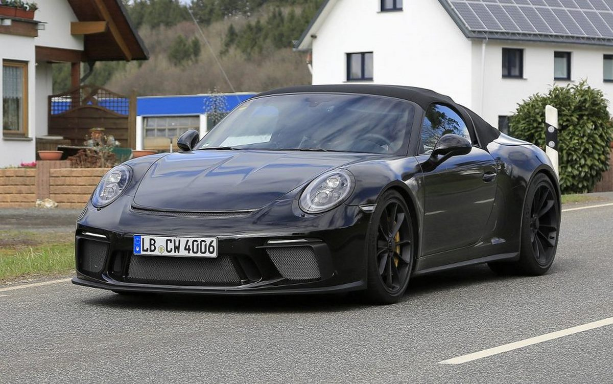 spyshots de la future porsche 911 speedster type 991 une 911 gt3 cabriolet. Black Bedroom Furniture Sets. Home Design Ideas