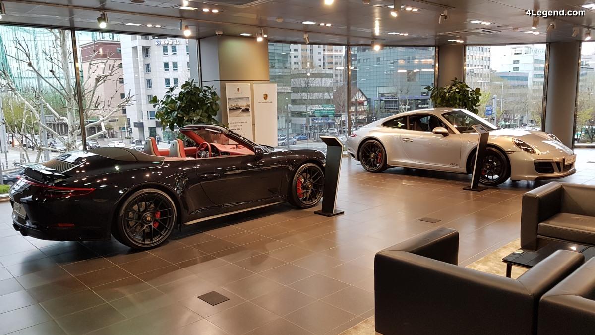Visite du showroom du Centre Porsche Daechi à Seoul, siège de Porsche Korea