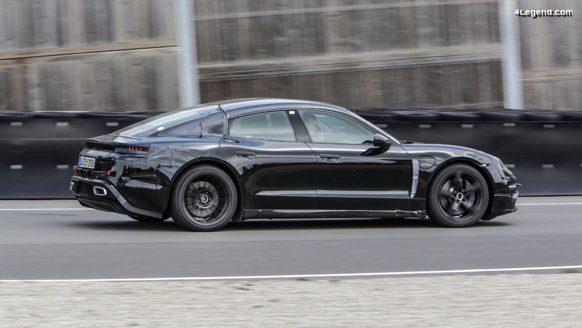 Mark Webber a testé la Porsche Mission E sur la piste de Weissach et nous la présente