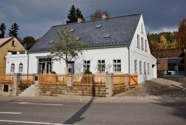 Restauration de la maison d'enfance de Ferdinand Porsche à Vratislavice transformée en musée Porsche