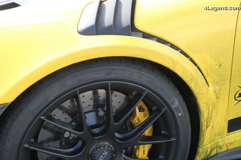 dunlop sport maxx race 2 le pneu uhp homologu par porsche et issu du sport automobile. Black Bedroom Furniture Sets. Home Design Ideas