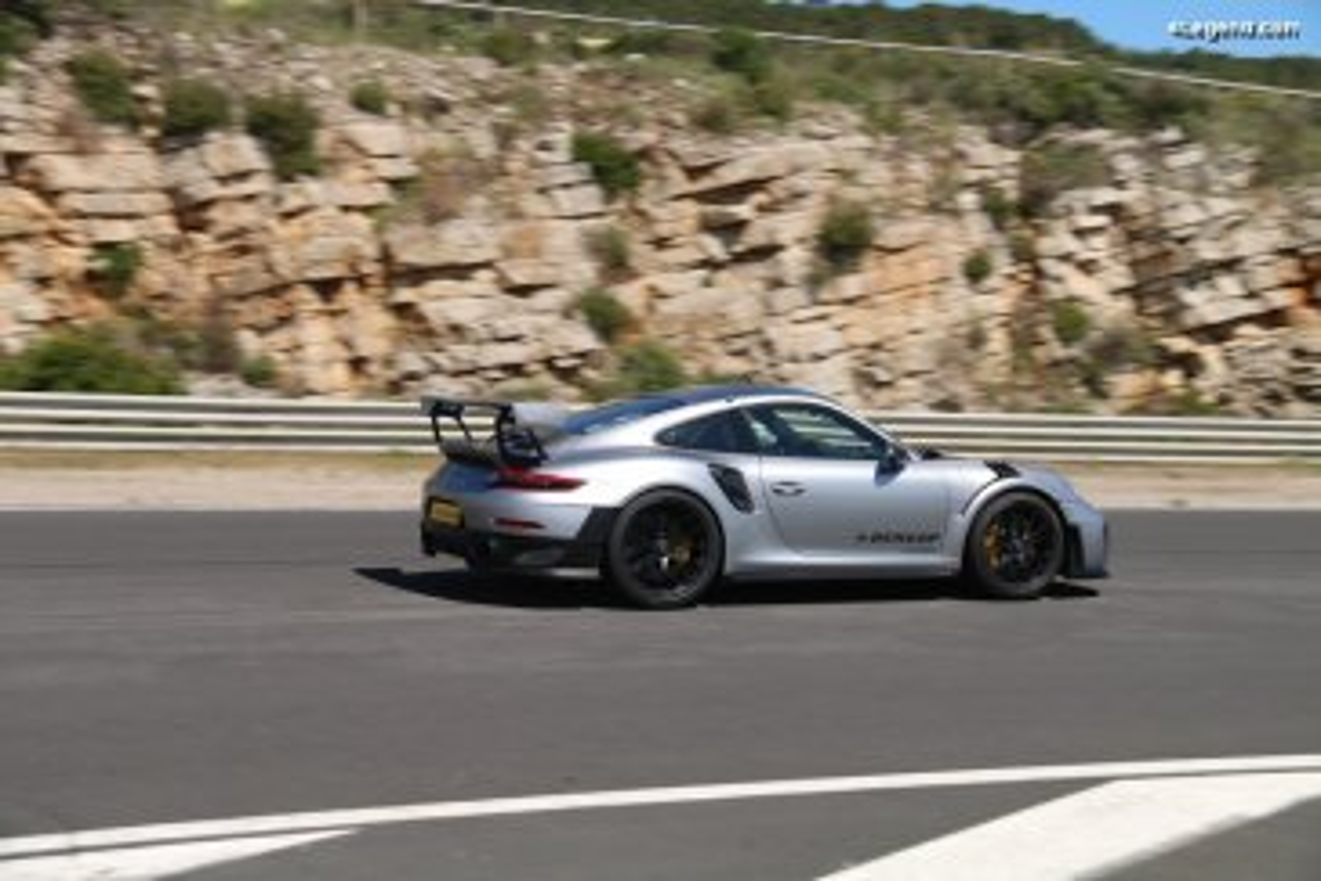 Présentation et essai d'un pneu prototype UHP Dunlop sur Porsche 911 GT2 RS