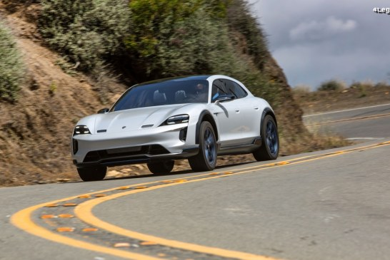 Porsche a fait essayer à des journalistes la Mission E Cross Turismo en Californie