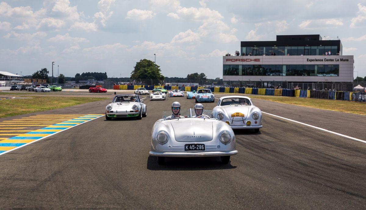 Le Mans Classic 2018 - Parade de modèles Porsche extraordinaires pour les 70 ans de Porsche