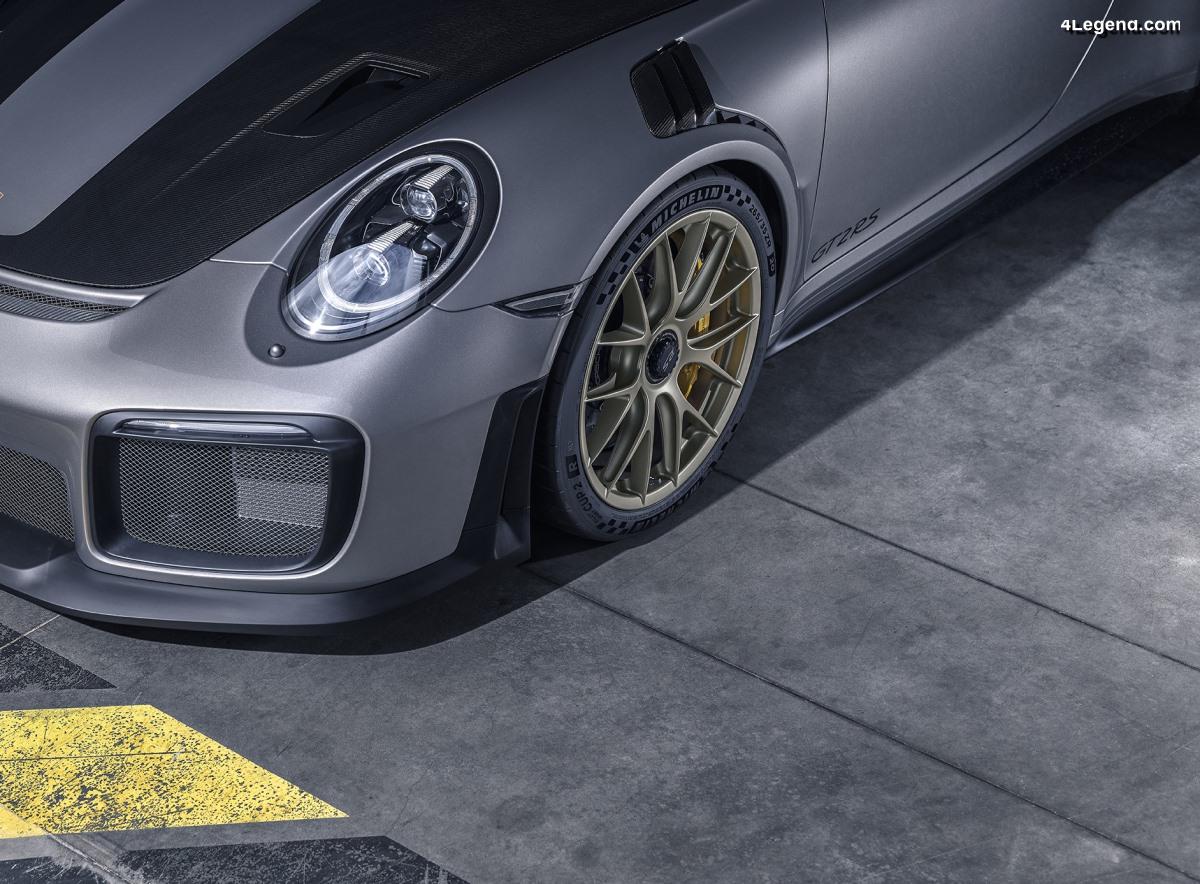 Pneu Michelin Pilot Sport Cup 2 R - Un pneu semi-slick pour circuit et pour route