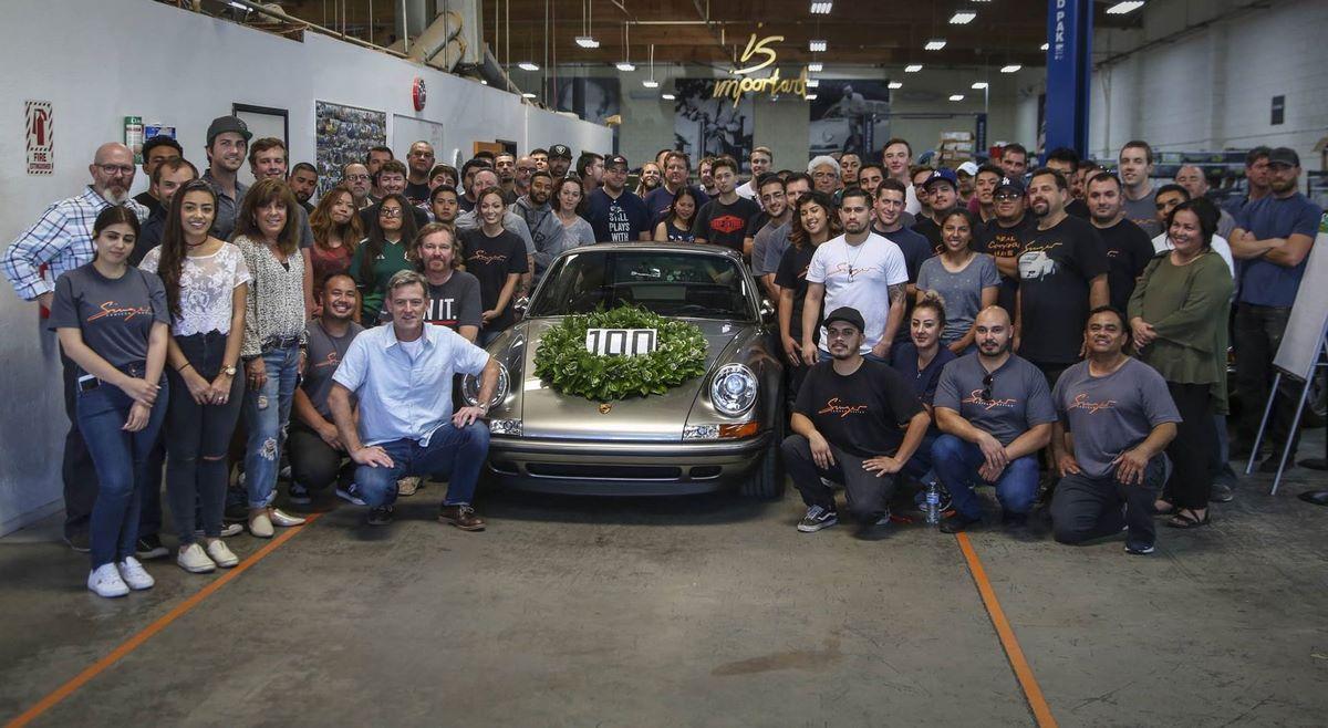 Singer Vehicule Design célèbre sa 100ème personnalisation de Porsche 911