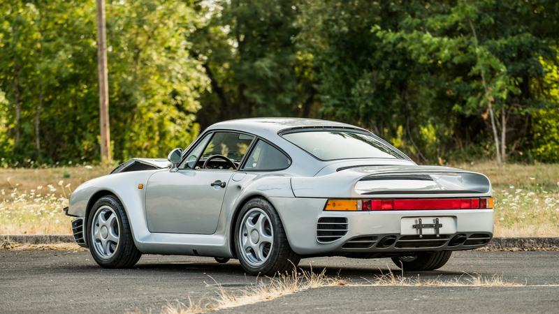 Incroyable : une Porsche 959 accidentée vendue aux enchères