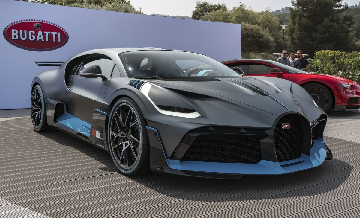 Photos De La Bugatti Divo Lors De Sa Premi 232 Re Mondiale 224 Pebble Beach Et Face 224 L Oc 233 An