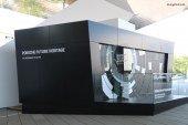 Visite du Porsche Future Heritage plongeant le visiteur dans la construction virtuelle de la 356