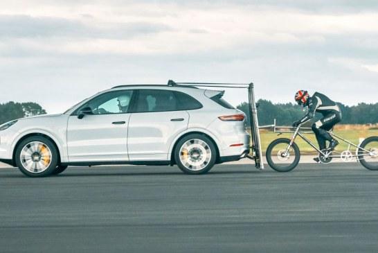 Porsche aide à battre le record européen de vitesse à vélo