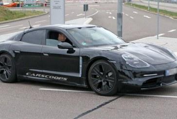 Spyshots Porsche Taycan avec moins de camouflage et des jantes aérodynamiques