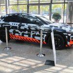 Expositon de l'Audi e-tron prototype à l'Audi Forum Ingolstadt