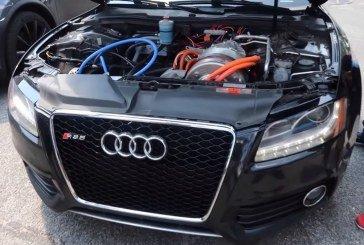 Une Audi S5 avec un moteur électrique de Tesla – Le swap ultime