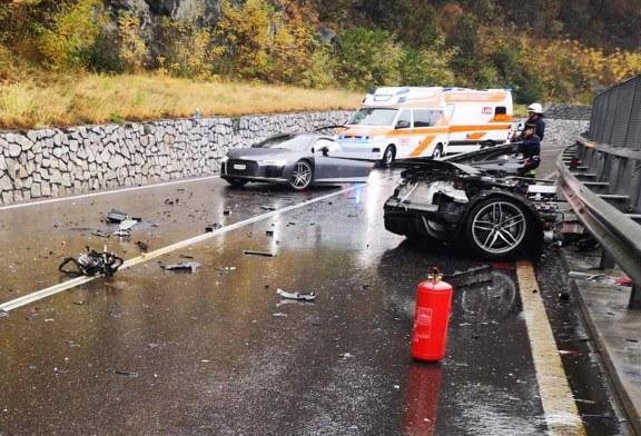 Une Audi R8 V10 plus coupée en deux suite à une collision
