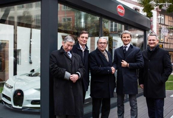 Exposition d'une Bugatti Chiron sur le célèbre marché de Noël de Strasbourg