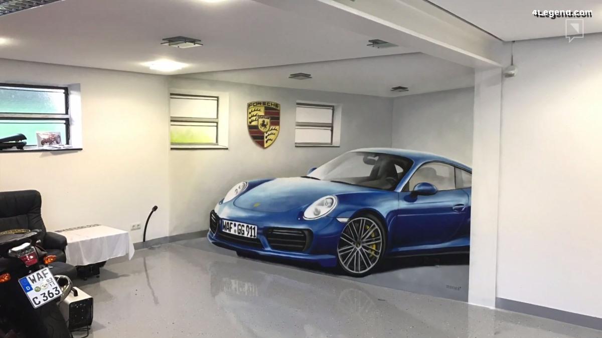 Une Porsche 911 En Illusion D Optique Dans Un Garage D Un