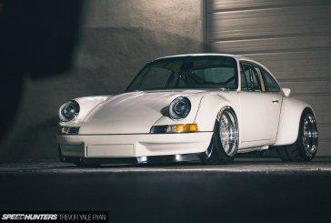 Porsche 911 E-RWB avec un moteur électrique de Tesla de près de 700 ch