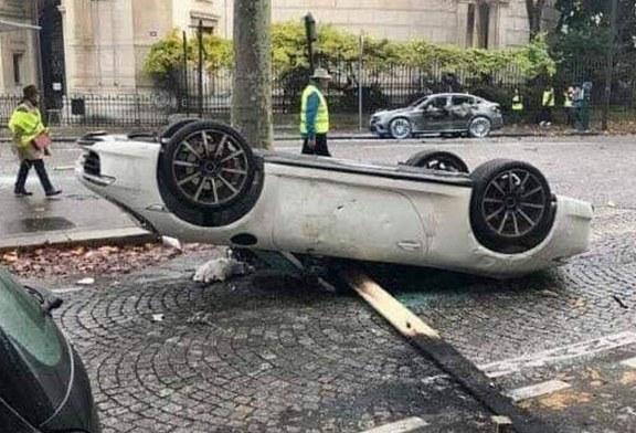 Destruction d'une Porsche 911 à Paris par des gilets jaunes