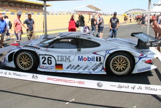 Exposition de Porsche de course aux 24 Heures du Mans 2014